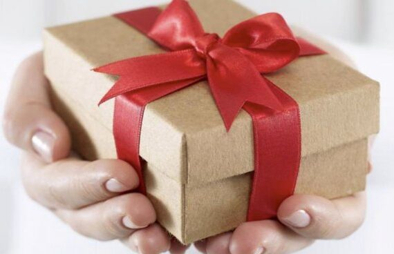 Подаръците ни помагат да съхраним отношенията си