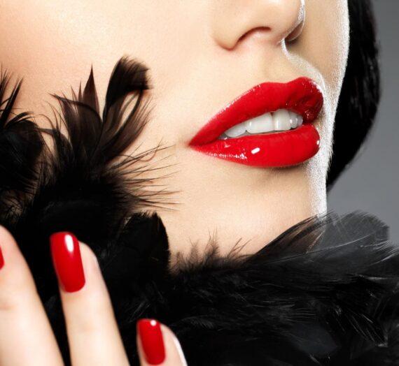 Порнозвездата Миа Калифа: Жените имат нужда и от малко романтика